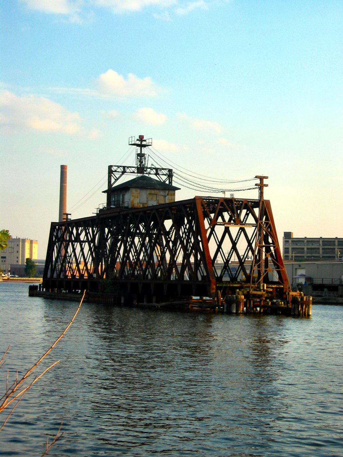 Drawbridges on Milwaukee River in the Third Ward - soul-amp.com