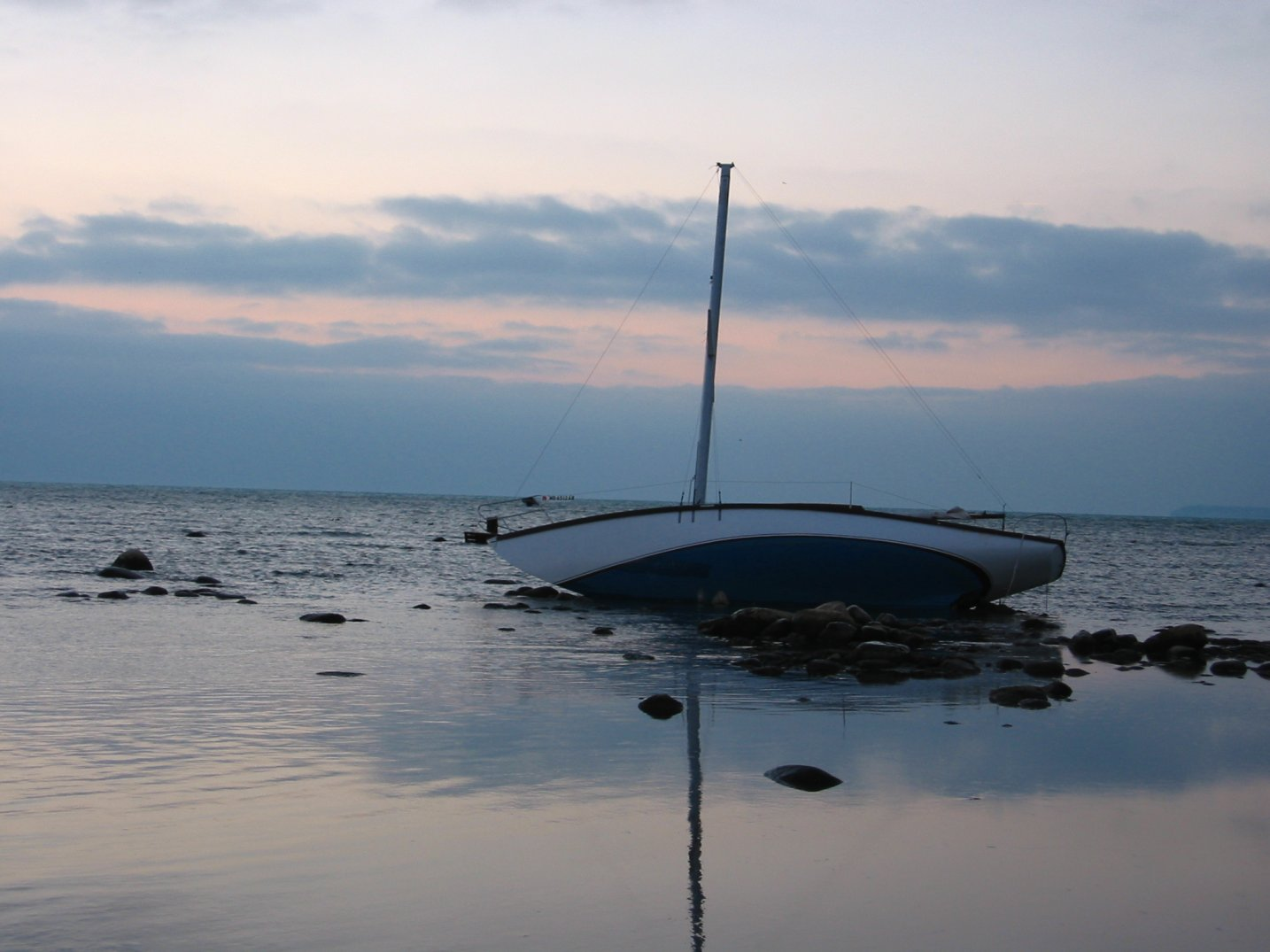 Stranded sailboat above Bradford Beach, in Lake Michigan, Milwaukee, WI - 11-25-2007 - soul-amp.com
